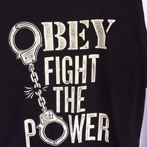 Obey size large T-shirt black